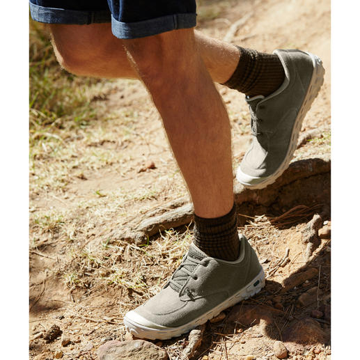 Hi-Tec® Canvas-Ultraleicht-Sneaker, Herren oder Damen Ultraleicht. Superbequem. Funktionell. Sneakers aus atmungsaktivem Canvas-Gewebe. Robust, wasser- und schmutzabweisend.