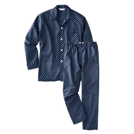 Winston-Pyjama Nachts trägt der Gentleman klassische Tupfen.