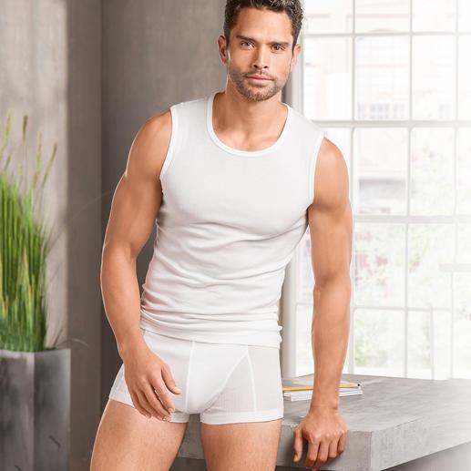 Unterhemd und Shorts