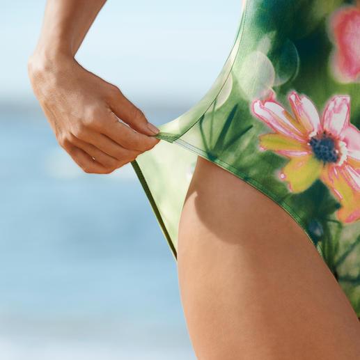 SunSelect®-Badeanzug Blumen-Aquarell Aus sonnendurchlässigem SunSelect® – mit außergewöhnlichen Blumen-Aquarellen.