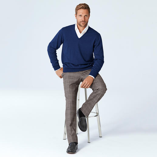 Alan Paine Merino-V- oder -Rundhals-Pullover - Waschen, trocknen, tragen: pflegeleichte Pullover aus extrafeiner Merinowolle. Von Alan Paine/England, seit 1907.
