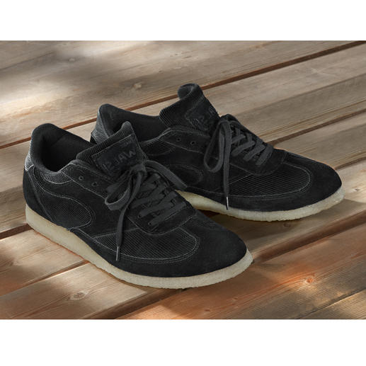 Der 1.000-Meilen-Sneaker aus den 80ern trifft den Retro-Trend von heute. Der 1.000-Meilen-Sneaker aus den 80ern trifft den Retro-Trend von heute.