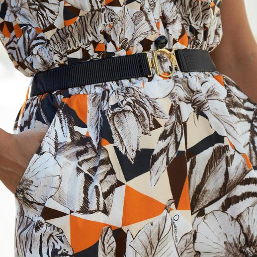 cavalli CLASS Vestaglietta Das Schürzenkleid feiert Fashion-Comeback. Unvergleichlich elegant und verführerisch feminin bei cavalli CLASS.