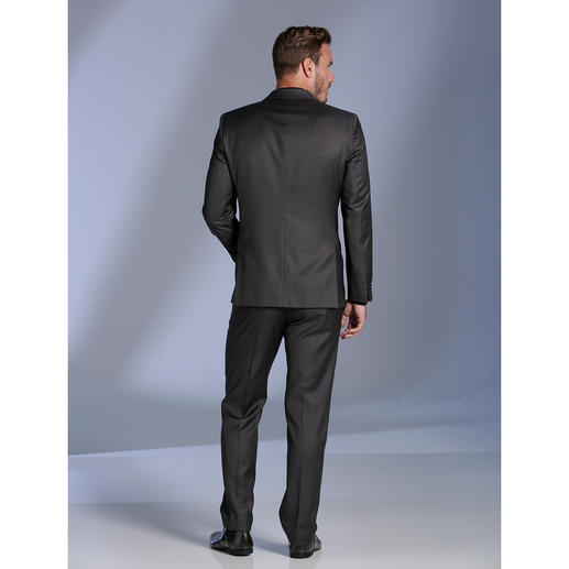 Lagerfeld-Woll-Seiden-Anzug Edles Tuch mit Seide. Modisches Muster. Original Lagerfeld. Und doch nur 499,– Euro.