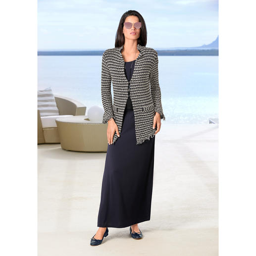 ANNECLAIRE Bouclé-Cardigan So bequem und sommertauglich kann eine elegante Bouclé-Jacke sein. Aus luftig leichter Baumwoll-Mischung.