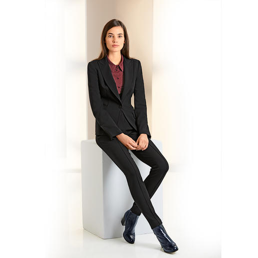 Plein Sud Jeanius Black Dress, Träger-Kleid, Anzug-Hose oder Anzug-Blazer Feminin figurbetont und dabei herrlich bequem.