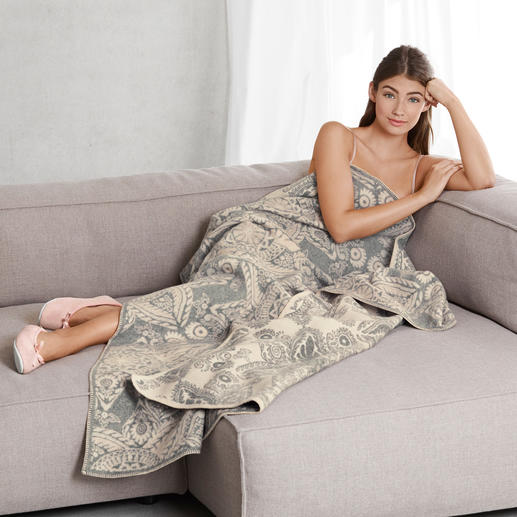 Johnstons Kaschmir/Merino-Decke Selten ist eine Jacquard-Decke so luxuriös und voluminös: aus edlem Kaschmir mit Merinowolle, dreilagig gewebt.