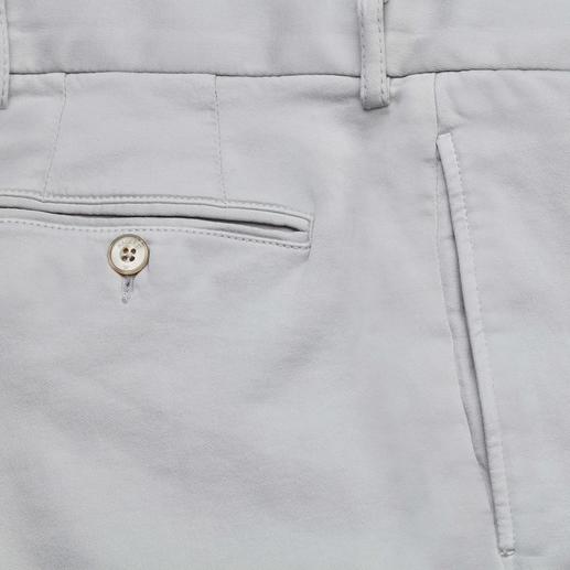 Hackett Jersey-Chino Die leichte Chino-Hose aus gewirktem Baumwoll-Jersey. Von Hackett London.