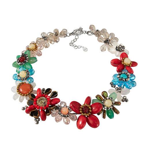 Smitten Statement-Kette Aufwändig aus einzelnen Perlen handgearbeitet statt massengefertigt.
