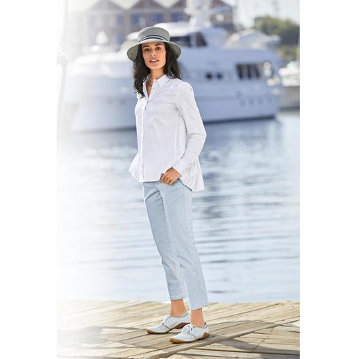 van Laack Plissee-Hemdbluse Femininer und eleganter als die meisten: die Hemdbluse mit plissiertem Rücken. Von Blusenspezialist van Laack.