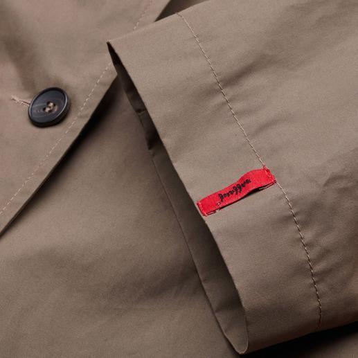 Raffauf Outdoor-Couture-Mantel Der Outdoor-Mantel mit Couture-Charakter: Elegant und stadtfein, dabei wasserabweisend und atmungsaktiv.