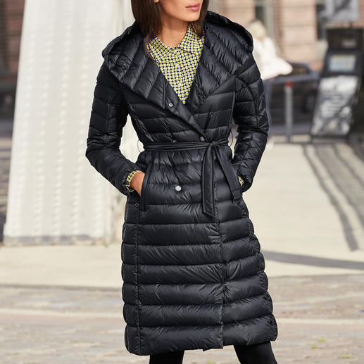 Pajar® Daunenmantel Daunen-Trend auf schlanke Art: Der feminine Leichtdaunen-Mantel vom kanadischen Premium-Label Pajar®.