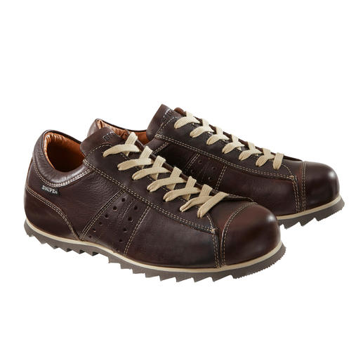 Stil-Ikone: der wetterfeste Ledersneaker von Industriedesigner Manolo Bañó. Stil-Ikone: der wetterfeste Ledersneaker von Industriedesigner Manolo Bañó.