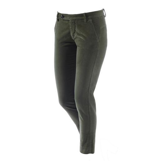 true nyc® Samthose Sportlich-elegant, in schlanker Silhouette und verkürzter Länge.