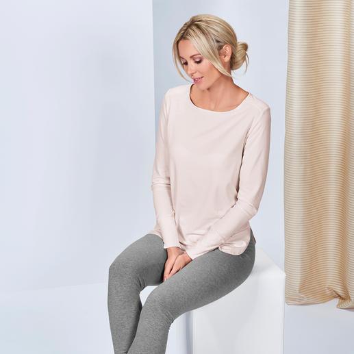 Die Homewear, die zugleich zur Streetwear taugt. Shirtkleid, Longshirt und Sweatpants im Casual Clean-Chic. Von Cornelie Weiss, Düsseldorf.