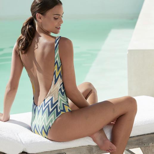 Beachwear de luxe. Trendgerecht in Form und Farben. Und unverkennbar M Missoni. Beachwear de luxe. Trendgerecht in Form und Farben. Und unverkennbar M Missoni.