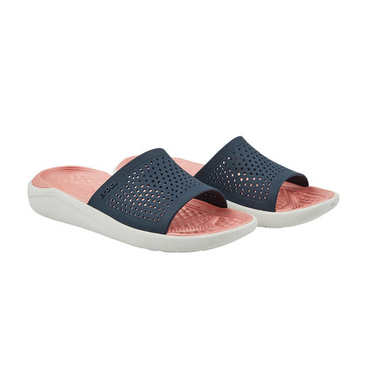 Crocs™ LiteRide™ Damen-Badeschuhe Aus sehr guten Crocs™ wurden noch bessere. Die neue LiteRide™-Kollektion ist 40 % weicher, 25 % leichter, und … und … und.