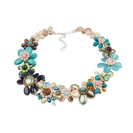Smitten Statement-Kette, Pastell Aufwändig aus einzelnen Perlen handgearbeitet statt massengefertigt.