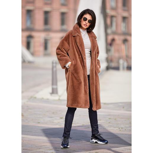 Der Mantel-Klassiker von Morgen. Aus Teddyfell de luxe. Für nur 349,- Euro. Vom italienischen Fake-Fur-Spezialisten und It-Label Betta Corradi.