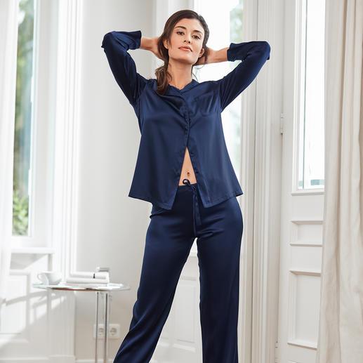 Der luxuriöse Seiden-Pyjama, der erfreulich erschwinglich ist. Made in Italy von Chiara Fiorini.