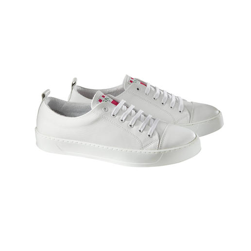 Immer picobello: Der waschbare Ledersneaker von Spaniens Kultmarke Snipe®. Immer picobello: Der waschbare Ledersneaker von Spaniens Kultmarke Snipe®.