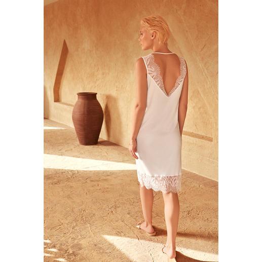 Hanro Sea-Island-Nachtkleid Seidig weich und mit feiner Spitze verziert. Von Hanro, Homewear-Spezialist seit 1884.