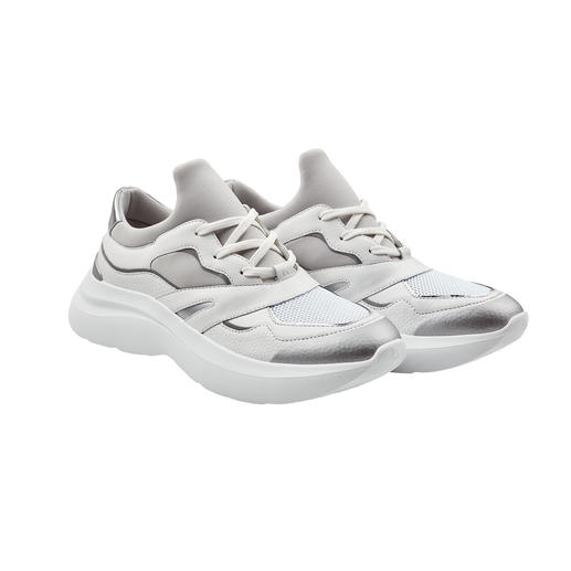 Karl Lagerfeld Classy Bulky-Sneakers Der Bulky-Sneaker von Karl Lagerfeld: erwachsener und stilvoller als viele andere.