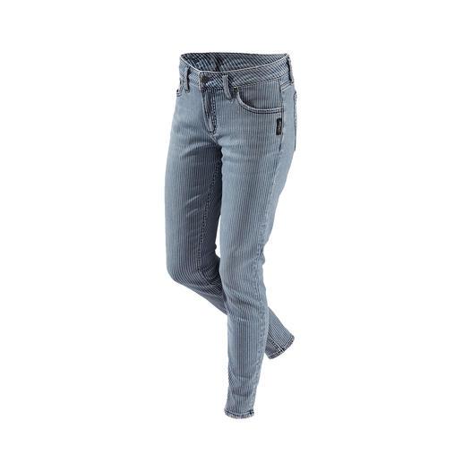 Die original Silver Jeans aus Kanada: Perfekter Sitz. Unverwechselbarer Stil. Fast 100 Jahre Erfahrung und viel handwerkliches Geschick machen diese Hose so einzigartig.