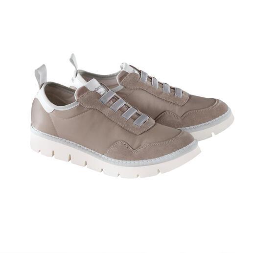 Ultra-Leicht-Sneakers made in Italy. Top-Qualität. Trendige Profilsohle. Aktuelle Farbtöne. Ultra-Leicht-Sneakers made in Italy. Top-Qualität. Trendige Profilsohle. Aktuelle Farbtöne.