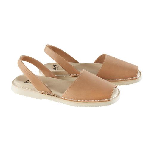 Avarcas de Menorca, Damen, Natur Die traditionelle Menorca-Sandale: Handgefertigt. Und im Sommer bewährt. Original Avarcas von RIA.
