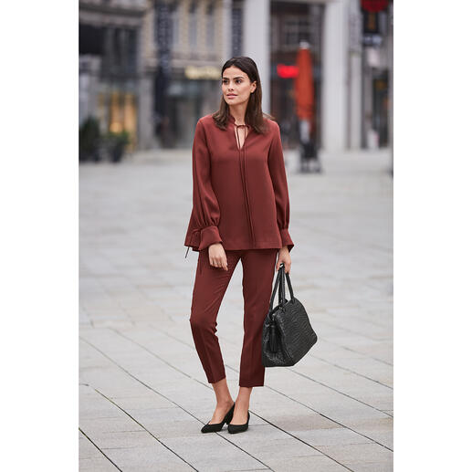 SLY010 24-Stunden-Bluse oder -Hose, spicy red Modisches Design. Reisetauglicher Krepp. Bequemer Schmeichel-Schnitt.