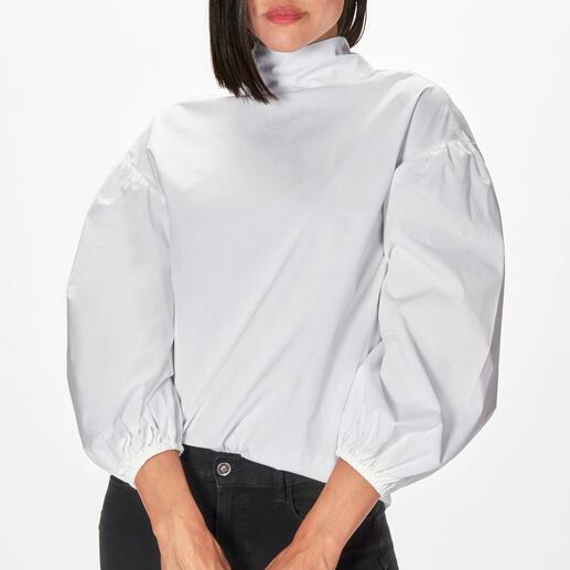 Die modische Neuinterpretation der weißen Basic-Bluse. Vom Münchner Newcomer-Label aybi. Klassisch-elegant, aber alles andere als langweilig.