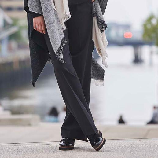 Die wohl modischste und bequemste unter den klassischen schwarzen Hosen. Von TWINSET. Modische Wide-Leg-Form. Trendiger Men's-Style. Edler Punto Milano-Jersey.