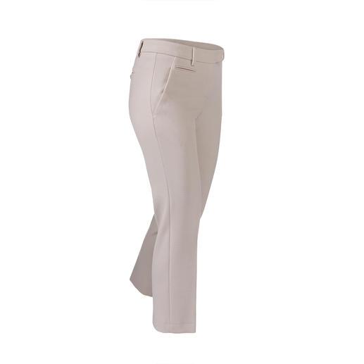 """Die Optik einer klassischen Tuchhose. Aber viel unkomplizierter dank """"Blended Wool"""". Weich und kratzfrei. Bequem elastisch. Strapazierfähig. Und maschinenwaschbar."""