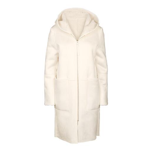 Der erschwingliche Designermantel vom italienischen Faux-Fur-Spezialisten Betta Corradi. Kaum von echtem Veloursleder zu unterscheiden.