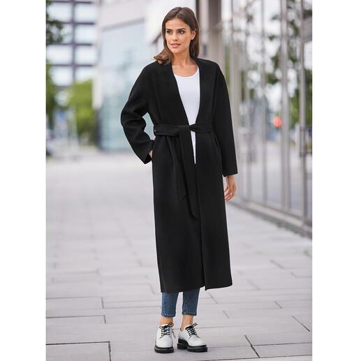 Der Fashion-Klassiker Belted Coat feiert ein modisches Comeback. Unser Geheimtipp: der vom italienischen Mantelspezialisten Betta Corradi.