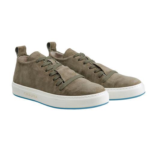 Der Sneaker, den man unter 100 Modellen vermissen würde. Clean, vielseitig, zeitlos, hochwertig ... und unglaublich bequem. Von Chaaya, Österreich.