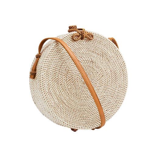Die modische Tasche aus seltenem Ata-Gras. Charaktervoll in reichlich Handarbeit gefertigt. Von Trend-Label Bali-BAli®.
