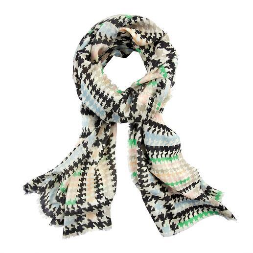 Der reißfeste, atmungsaktive, zart glänzende Schal. Made in Italy von Abstract. Hahnentritt 2.0: So modisch, so ausdrucksstark war das klassische Muster noch nie.