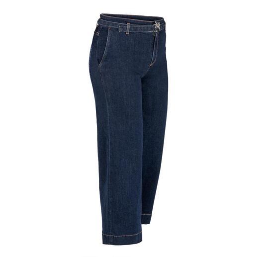 Die modische Culotte-Jeans in eleganter Erwachsenen-Version. Von Pinko, Italy. Klassische Leibhöhe. Dezente, dunkle Waschung. Schmückender Gürtel mit unverkennbarer Label-Schließe.