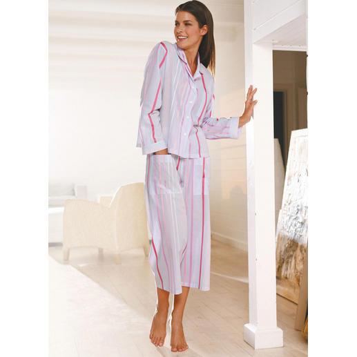 Novila Luftiger Streifen-Pyjama Der Streifen-Pyjama aus hauchzartem Voile.