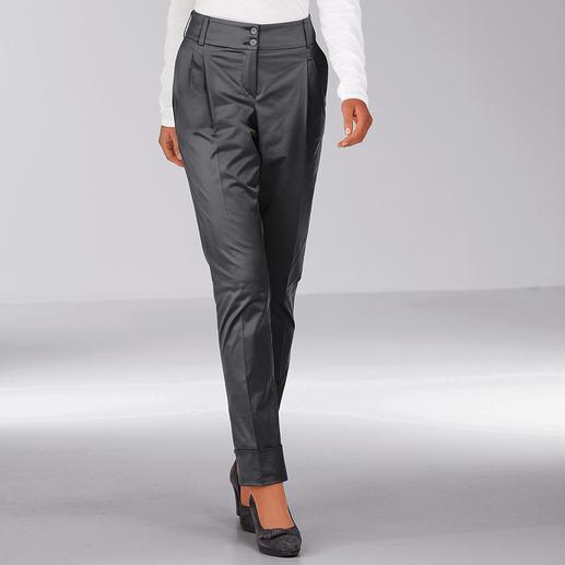 """Glanz-Chino """"Perfect Fit"""" - Die elegante unter den Chinos: Glänzend und Graphit-grau."""