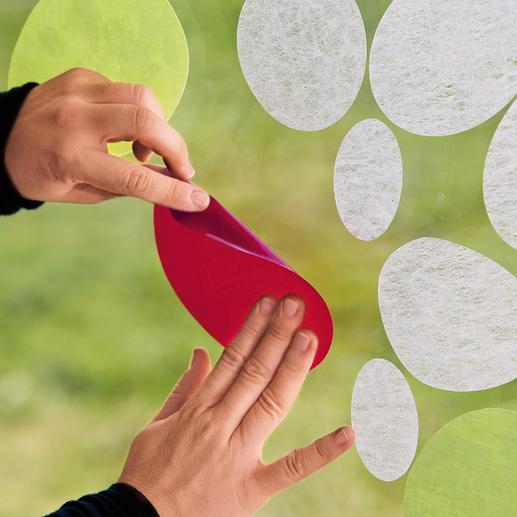 """Die Formen von """"Gecko in the Box"""" lassen sich auf Glasflächen im Innenraum anbringen, kreativ kombinieren sowie spurlos entfernen."""