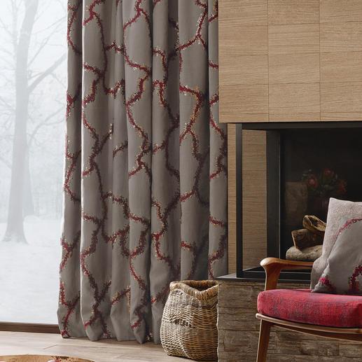 """Vorhang Bordino - 1 Stück Landhausstil, luxuriös wie nie. Präsentiert in der neuen Kollektion """"Chalet Luxe"""" von Sahco."""