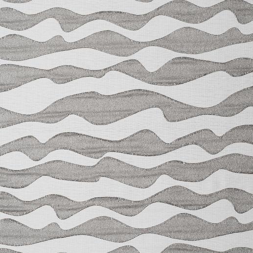 "Vorhang ""Atlantic"", 1 Vorhang Große Wellen, selten dezent: Ton in Ton aber raffiniert strukturiert."