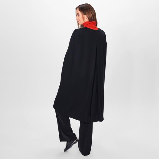 Strenesse Wollcape Hochmodischer Mantel-Ersatz: das Wollcape von Strenesse.
