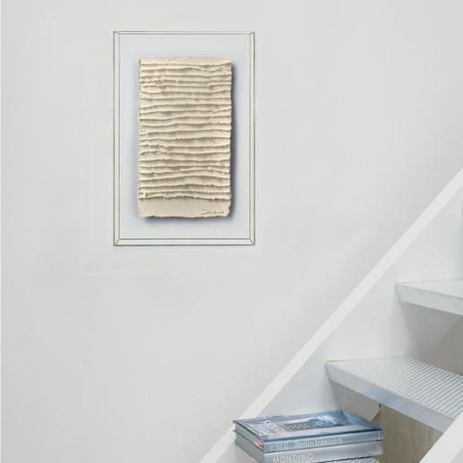 Das Unikat beeindruckt durch seine lineare Struktur und ungewöhnliche Dreidimensionalität.