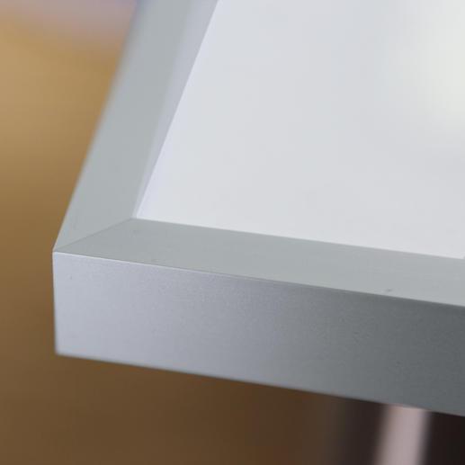 Der Aluminium-Rahmen hat eine Tiefe von 2,7 cm.