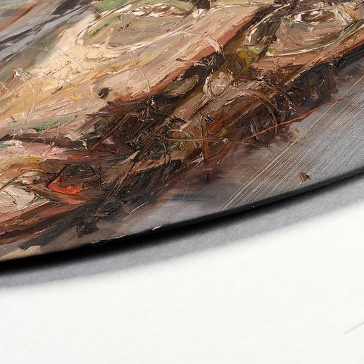 Jede Schallplatte übermalt der Künstler an einigen Stellen von Hand.