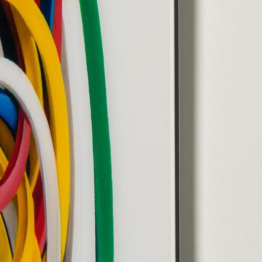 Das Werk wird auf ca. 3 mm dickes Acrylglas gedruckt und auf eine  Aludibond-Platte kaschiert.